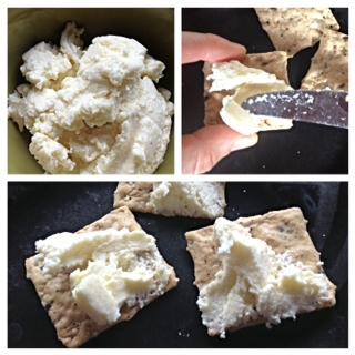 Ricotta Crackers