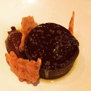La Tavola flourless chocolate cake