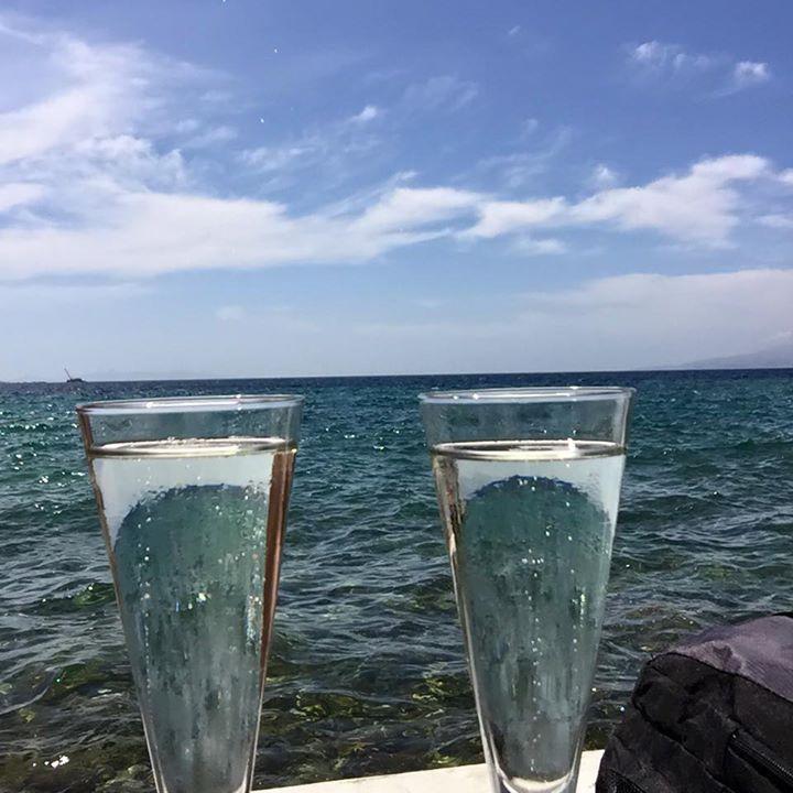 Mykono champagne
