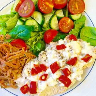 This Greek-inspired Baked Feta & Chicken dish is prepped in just 10 mins!