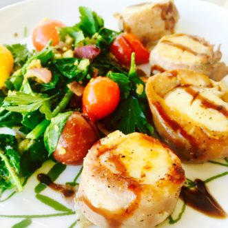 prosciutto-wrapped-scallops-with-balsamic