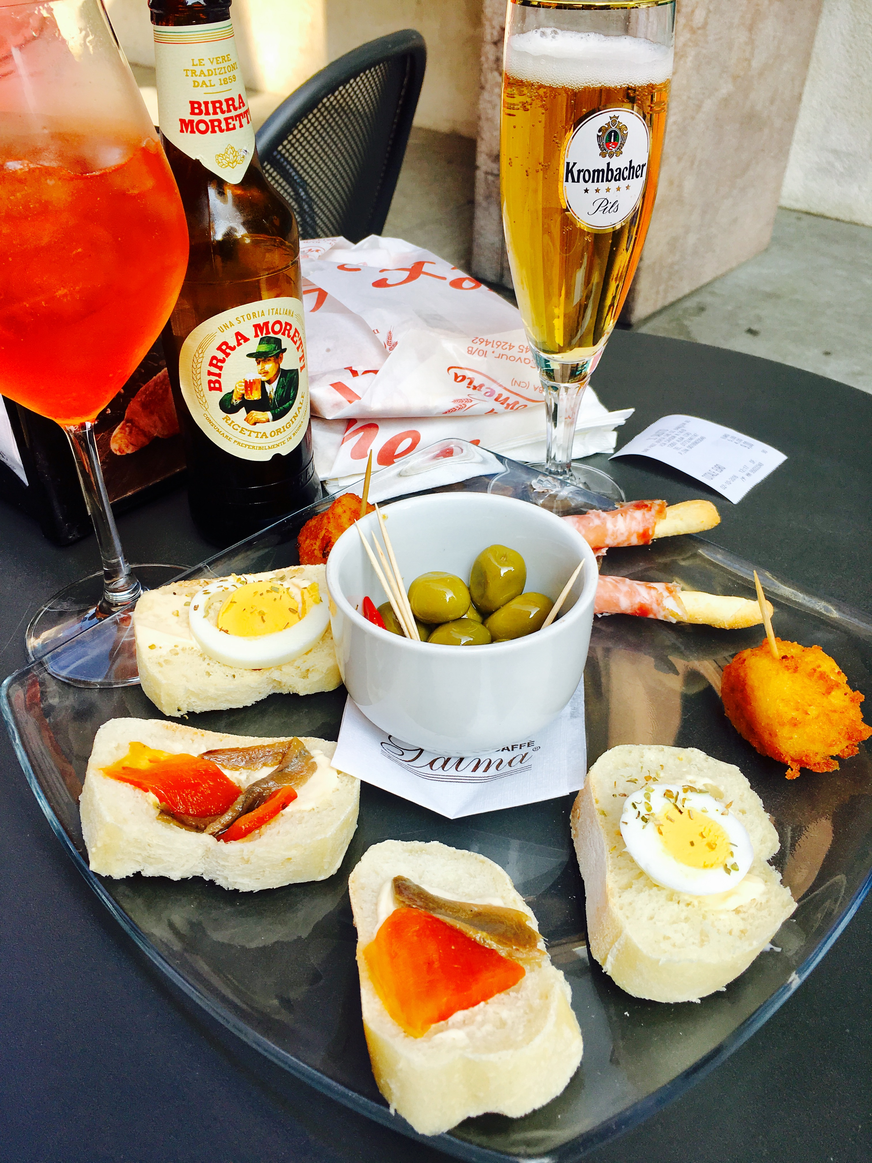drinks-and-snack-plate-in-alba-italy